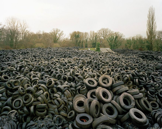 Tyres, from the series Cycles © Simon Carruthers