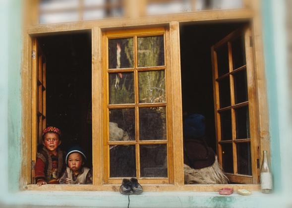 Ladakh - Gruppo di famiglia in un interno