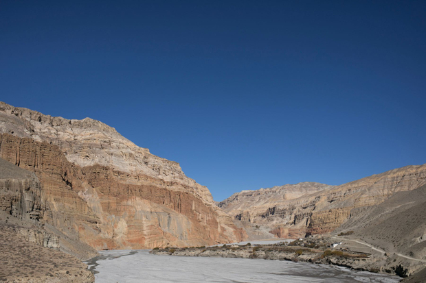 The road to Lo Manthang