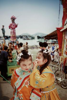 Bun Festival Girls