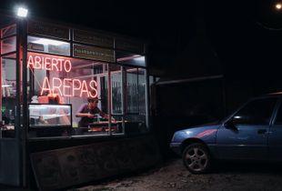Night scene: Colombian roads