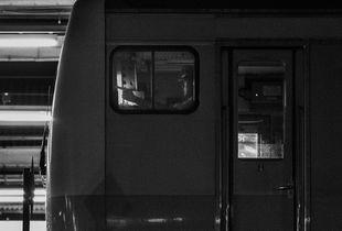 WINDOWS_TOKYO_1_FIRST TRAIN DRIVER