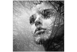portrait de femme dans la ville - réflexion/reflection 1