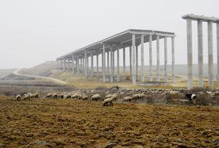 M6 motorway development, 1070 viaduct, Hungary