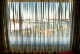 Niagara Hotel Room