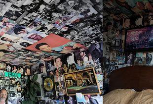 Elvis. Bedroom.