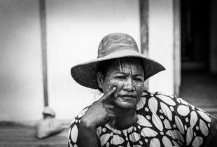Woman with my hat, Tawabi