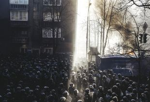 Riot police began to storm Maidan after clashes on Shelkovichna street. Kiev, Feb. 18, 2014.
