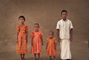 Tagar, 30 with his 3 daughters: Asa, Diti, Prya.