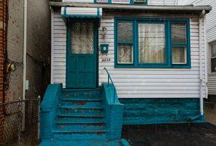 Blue Stoop