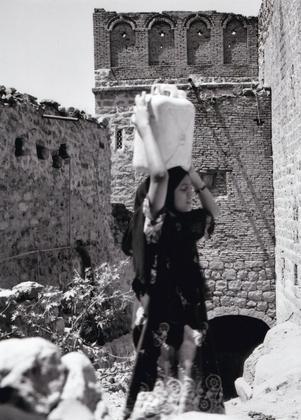 Transport of water in Taiz