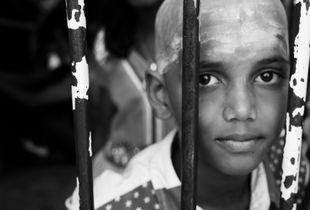 Hindu worship 'behind bars'