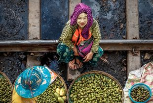 Yangon market on train rails