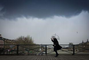 Gale on the pont des arts