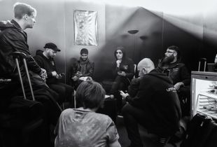 Letzte Instanz Backstage - Discussion before the show