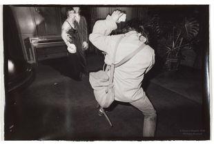 Paul Diamond Photographing