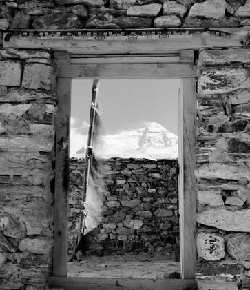A door to Everest