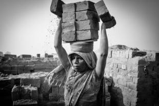 Brick Worker 01