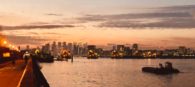 Thames Evening with View on Canary Wharf