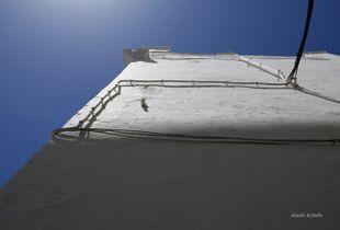 Canvas blue sky 01 on a walking wall