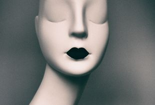 Portrait without identity