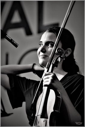 Anna violinista     Anna violinist