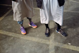 Thobes & Creps (Sneakers in the mosque)