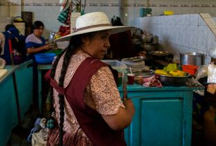 The color in the women of Cochabamba. Bolivia 2015