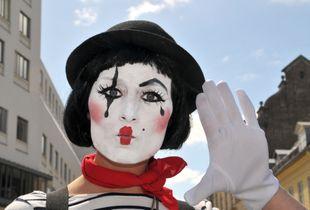 Pantomime girl