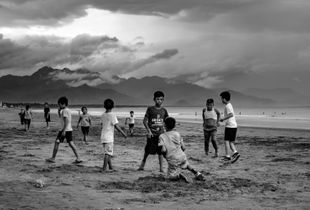 Subjects in a cloudy baler afternoon