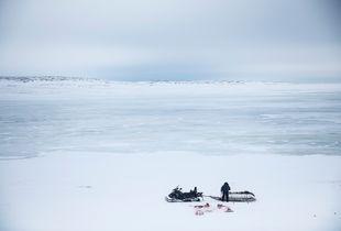 Sur les glaces d'Inukjuak