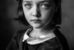 Evacuee Girl (1)
