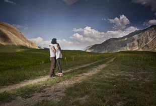No1-Embrace series-Alireza Fani-2014.jpg