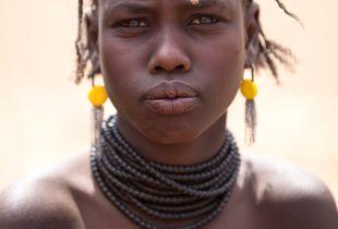 A girl from Hamer tribe