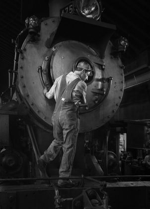 Strasburg mechanic Dave Lotfi
