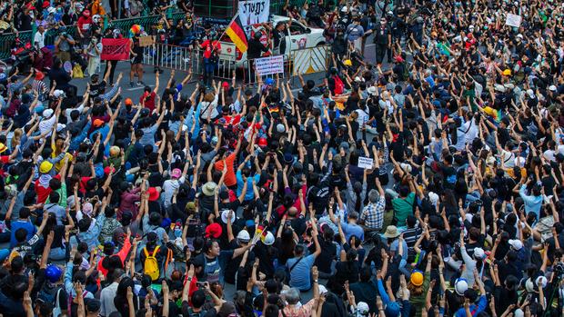 thai protest 01