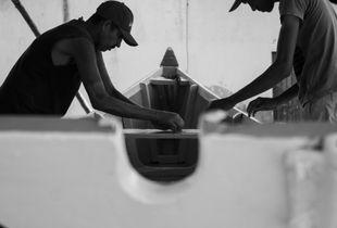 Pescadores Pintando Canoa