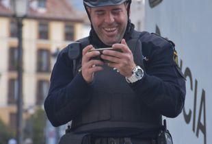 iPhone cop