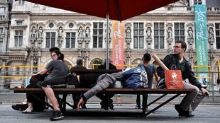Parvis de l'hôtel de ville, Paris