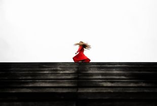 Red_Dress_Story1