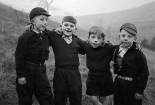 Rhondda Valley, Wales, 1957 © Philip Jones Griffiths