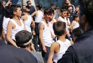 Bleeding for the sake of Imam Husayn