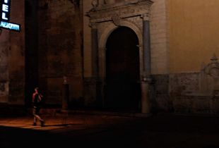 In the shadow of the  La Mezquita