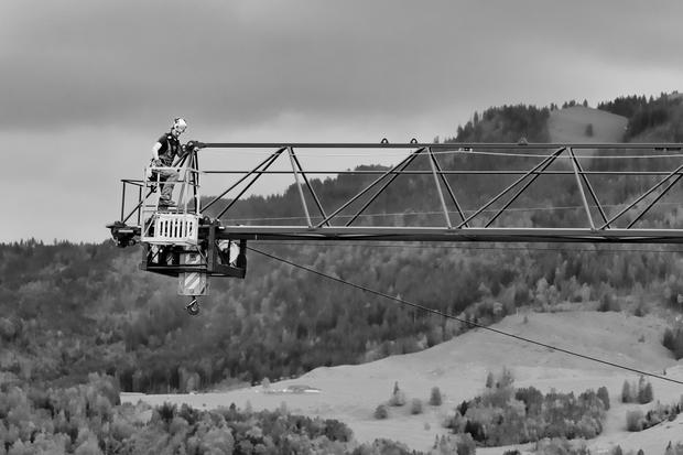 Crane constructer