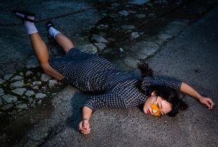 那女孩跌倒了#2