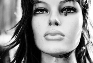 plaztic-face-01