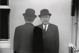 From the book, Une visite chez Magritte © Duane Michals. Images courtesy Steidl.