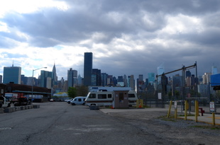 Manhattan across the river - Long Island City, Queens