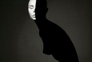 Light. Shadows. Perfect woman