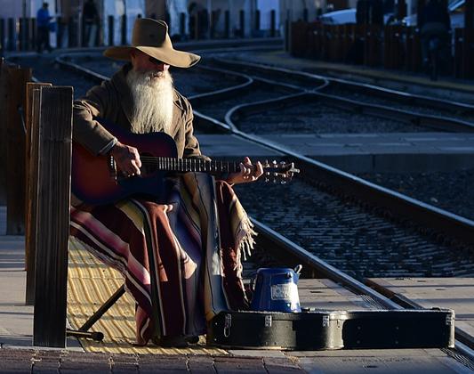 Santa Fe  guitar man